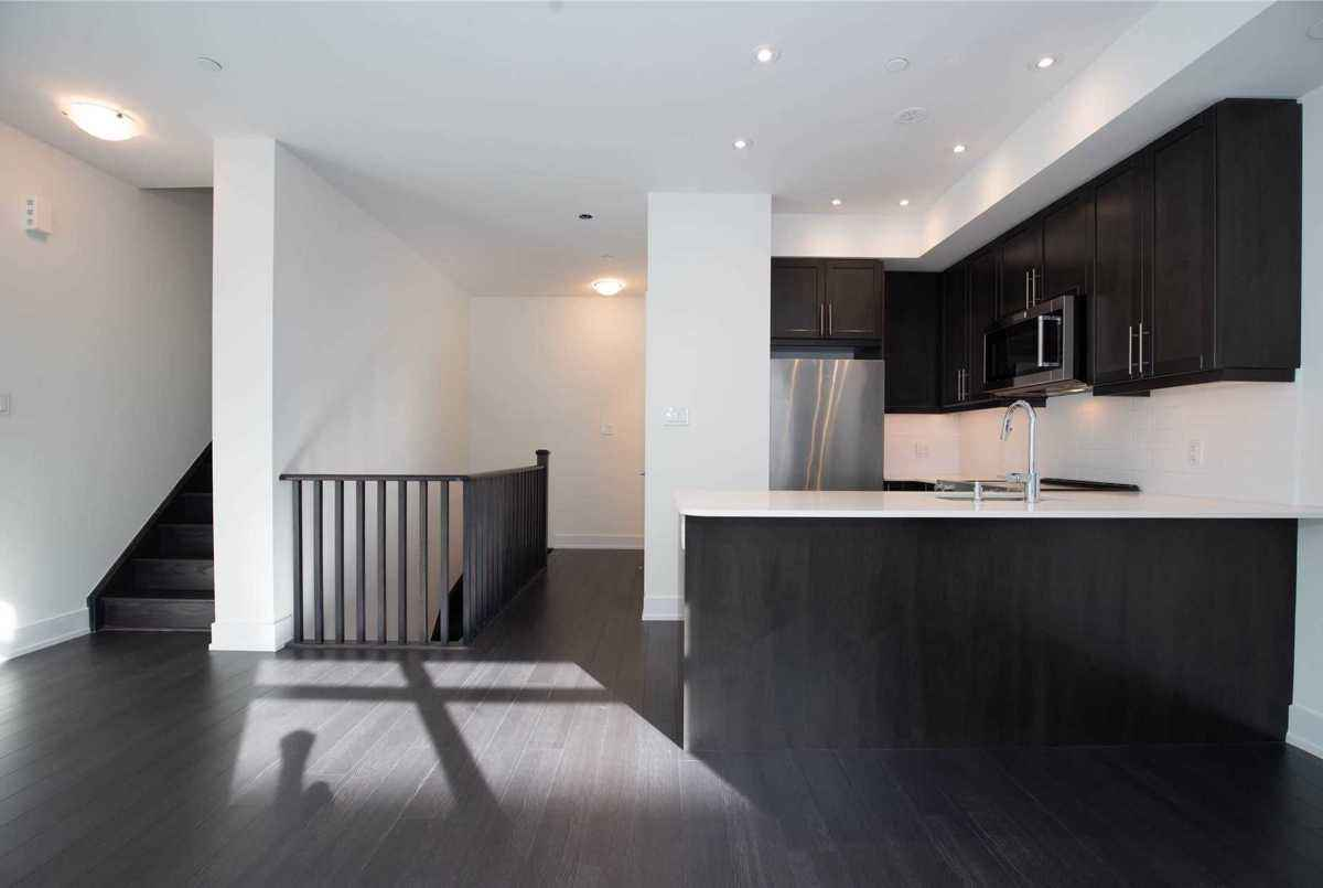 52 Holmes Ave Toronto Smart Choice Team