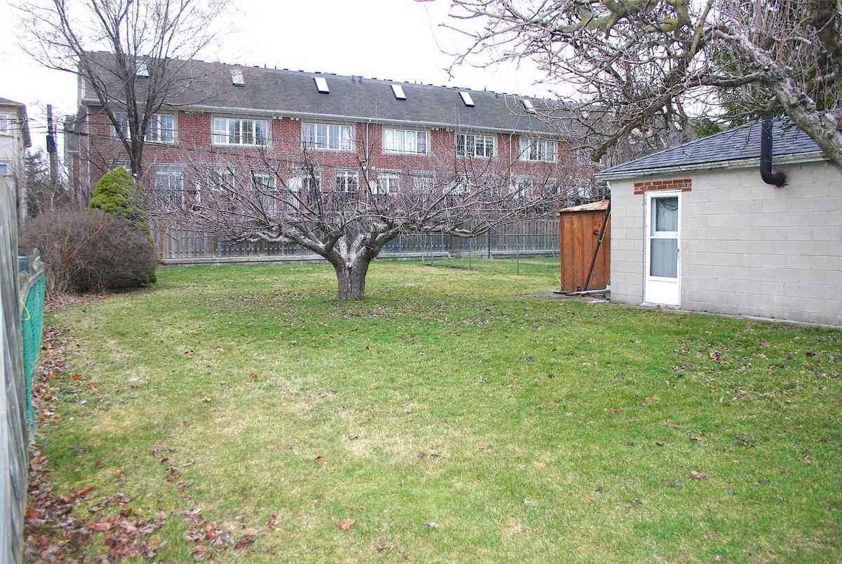 140 Olive Ave Toronto Bella Lee