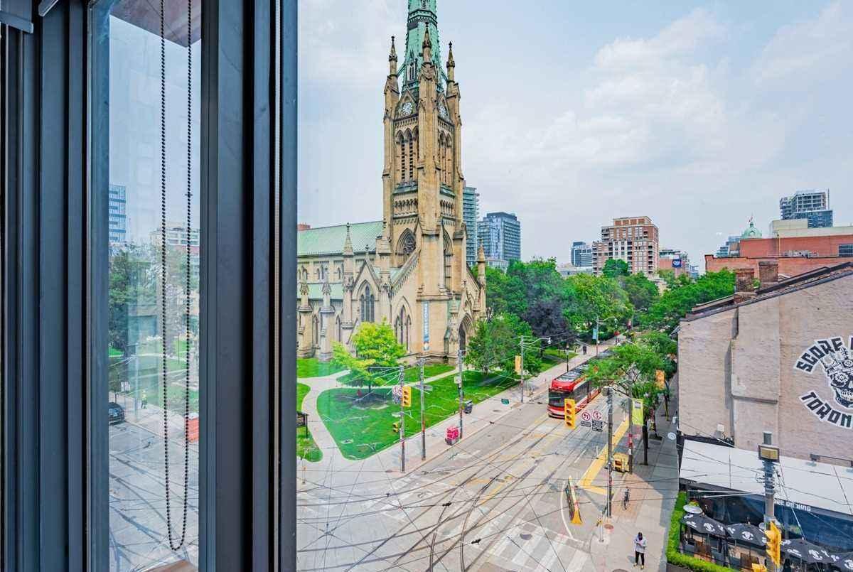 60 Colborne St Toronto AGENT ON DUTY