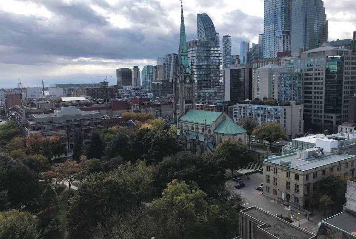 95 Lombard St Toronto AGENT ON DUTY