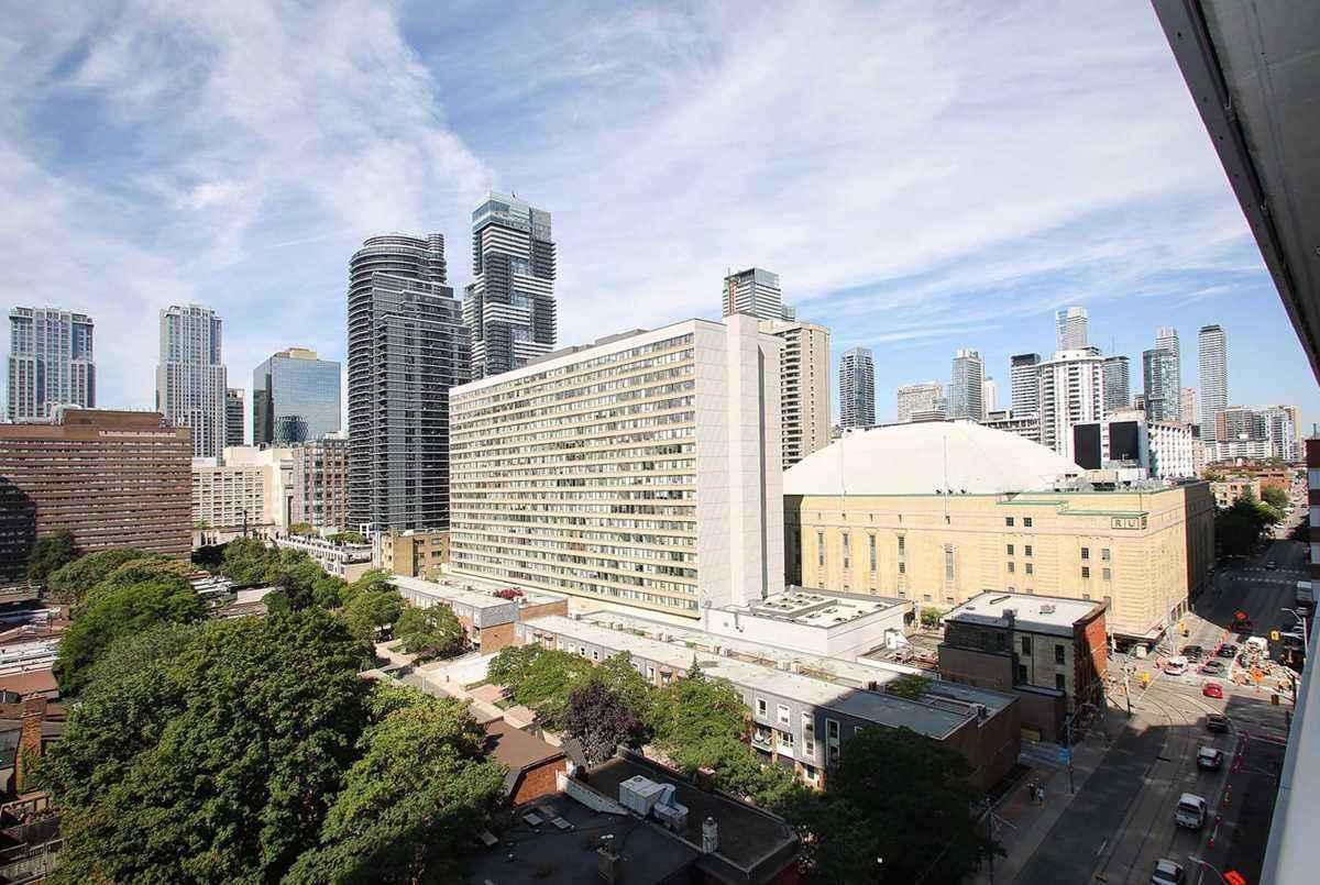365 Church St Toronto AGENT ON DUTY