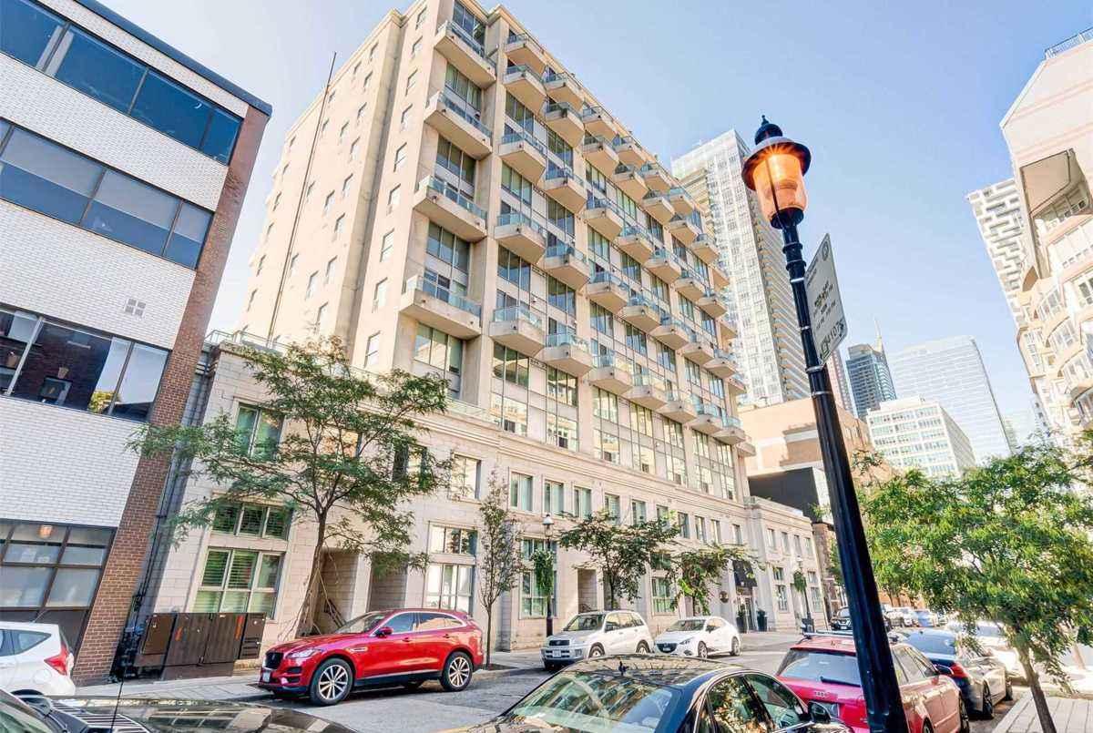 77 Lombard St Toronto AGENT ON DUTY