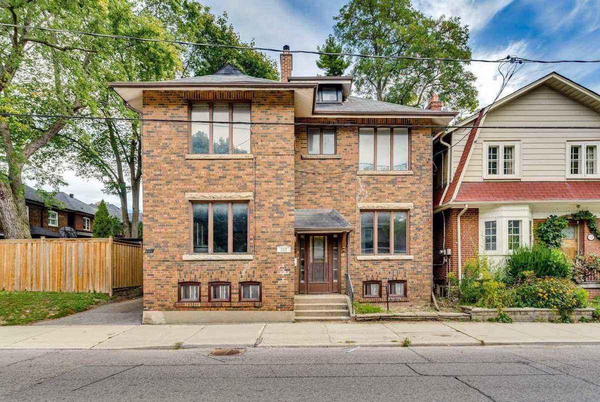 337 Mount Pleasant Rd Toronto AGENT ON DUTY