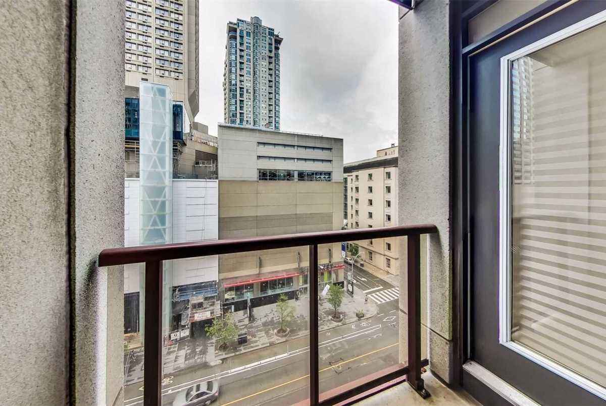 85 Bloor St E Toronto AGENT ON DUTY