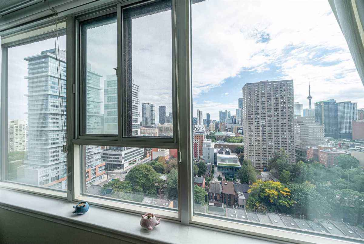 45 Carlton St Toronto AGENT ON DUTY