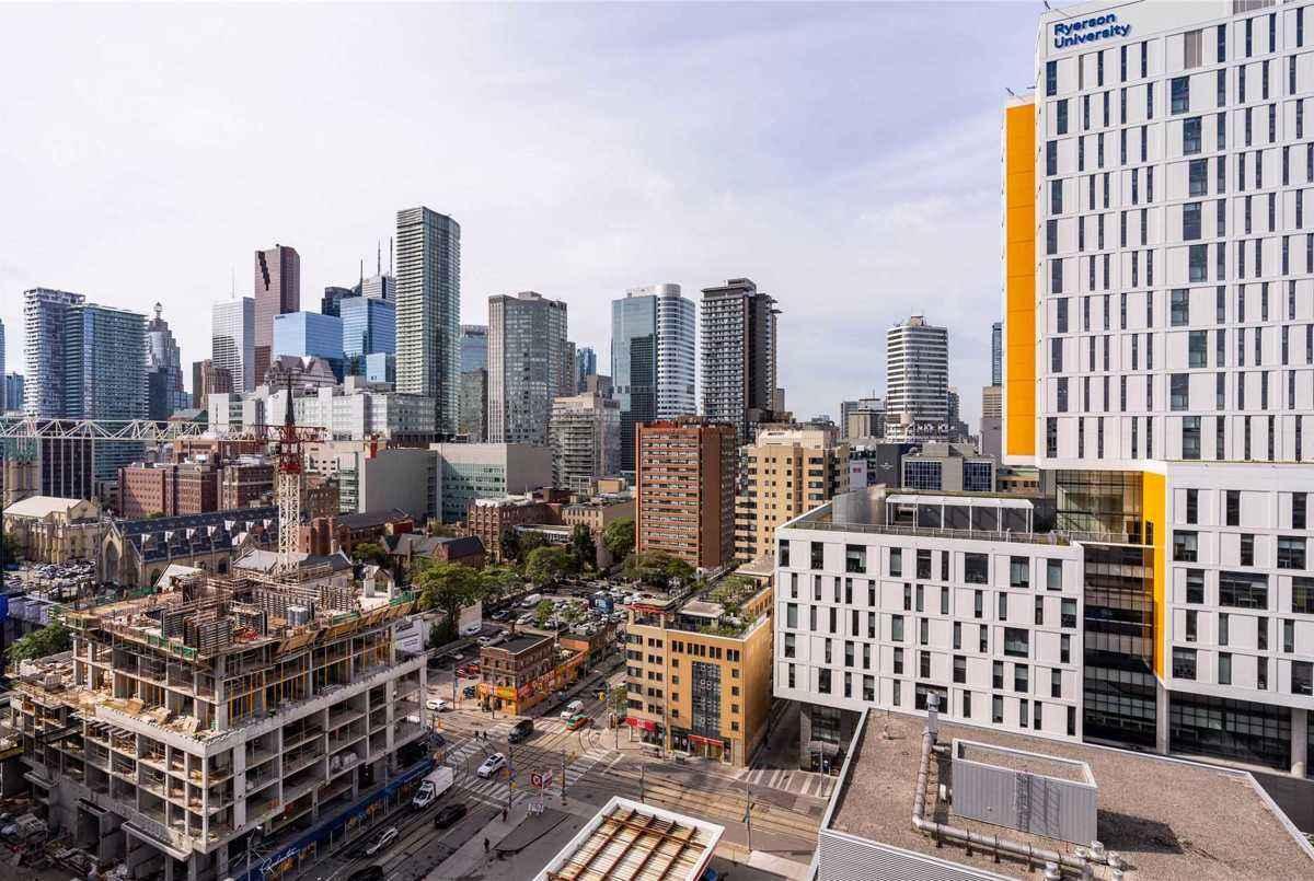 155 Dalhousie St Toronto AGENT ON DUTY