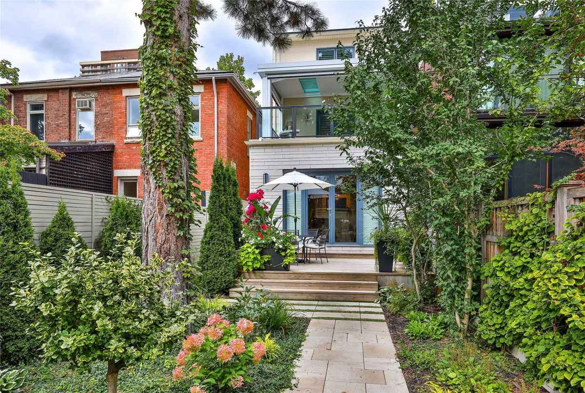 53 Summerhill Ave Toronto AGENT ON DUTY