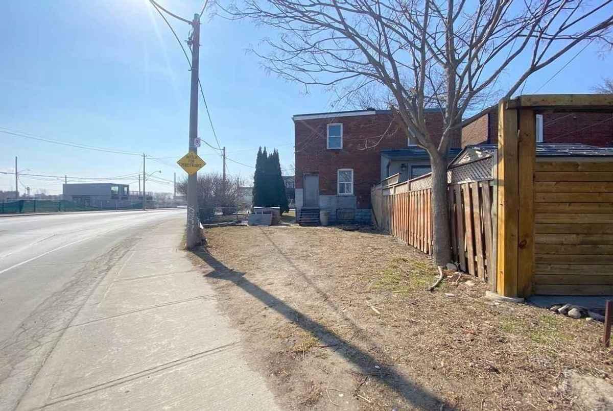 1A Rushbrook Ave Toronto Cori Endrody