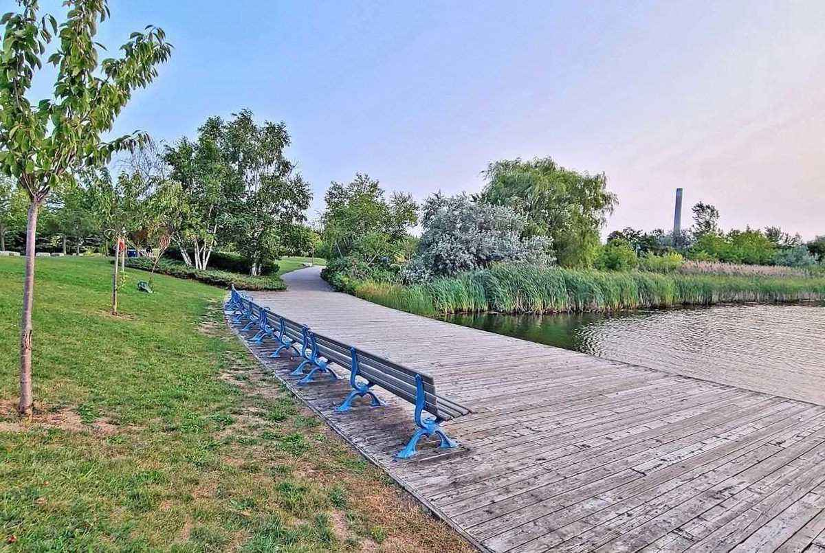 35 Boardwalk Dr Toronto Cori Endrody