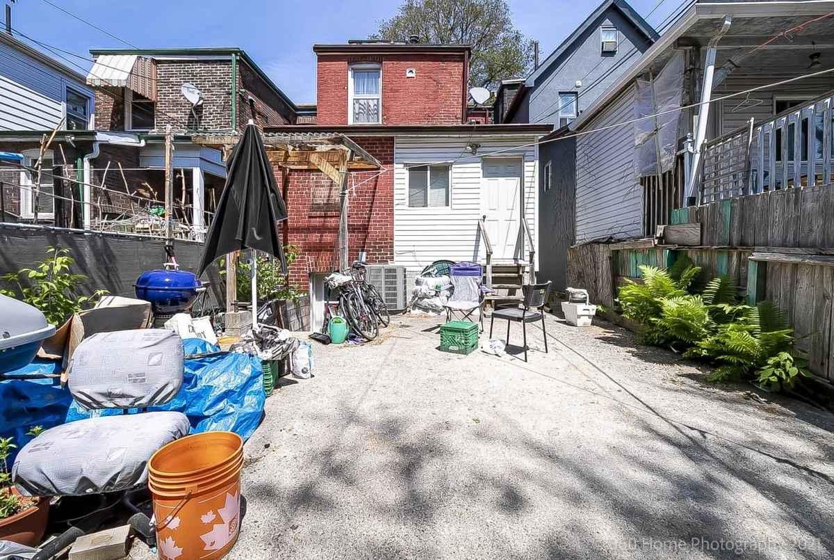 124 Galt Ave Toronto Cori Endrody