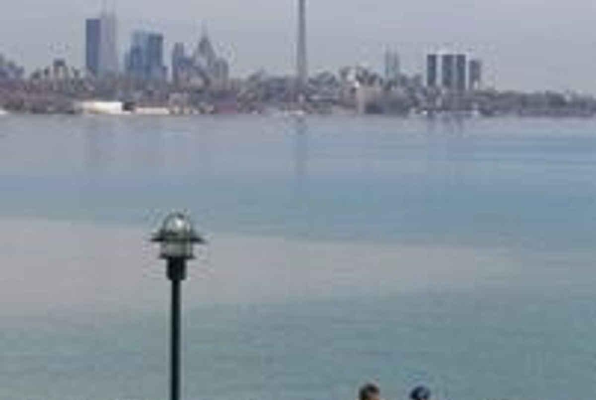 55 Annie Craig Dr Toronto AGENT ON DUTY