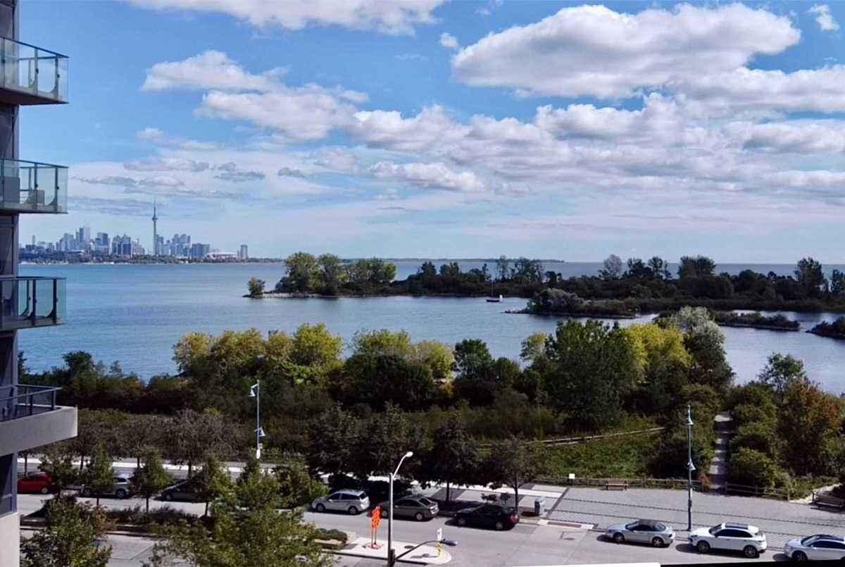 65 Annie Craig Dr W Toronto AGENT ON DUTY