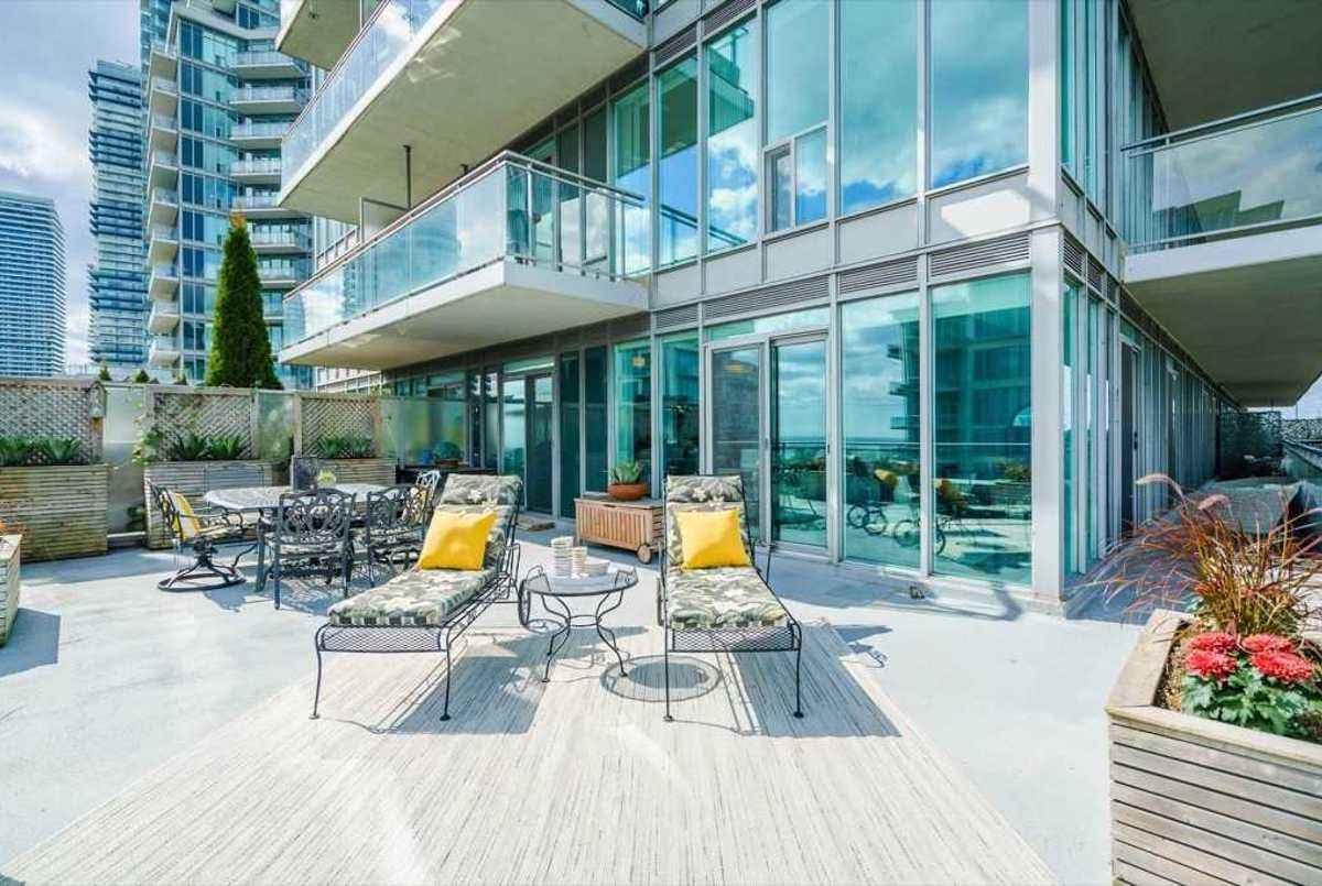 2119 Lake Shore Blvd W Toronto AGENT ON DUTY
