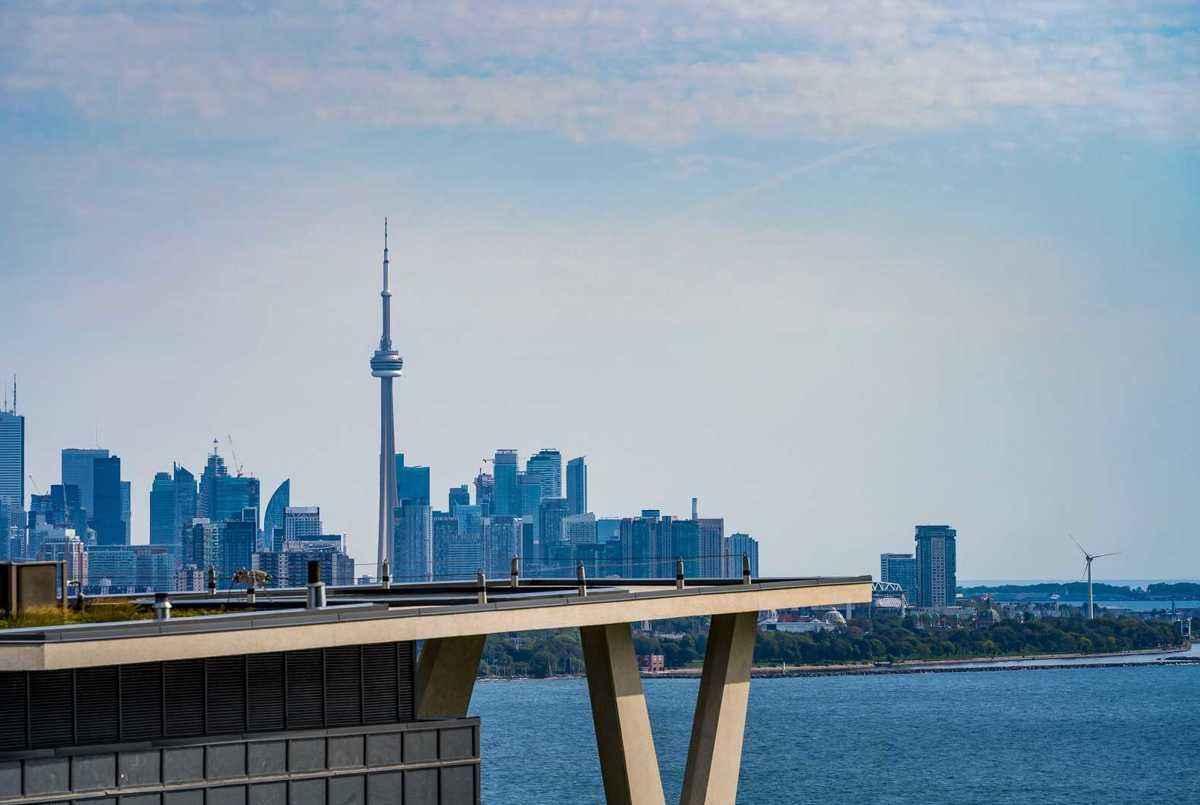 56 Annie Craig Dr Toronto AGENT ON DUTY