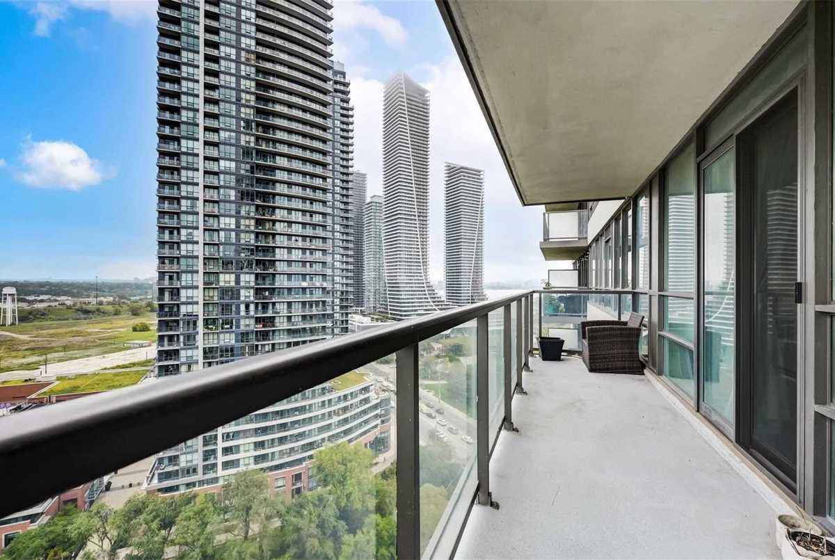 2230 Lake Shore Blvd W Toronto AGENT ON DUTY